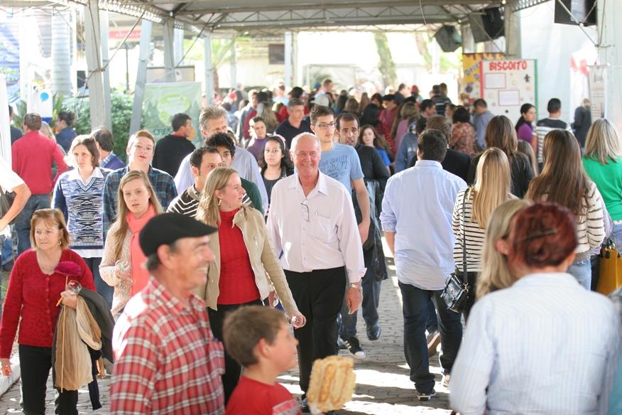 Grande público sempre prestigia a indústria, o comércio, o agronegócio e os serviços expostos no Festival de Compras
