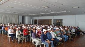 Cerca de 300 pessoas entre delegados e suplentes participaram da assembleia