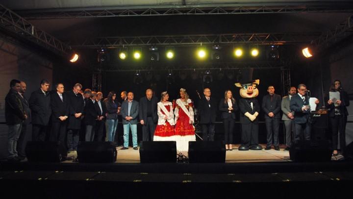 Autoridades e membros da comissão organizadora enaltecera a importância do evento